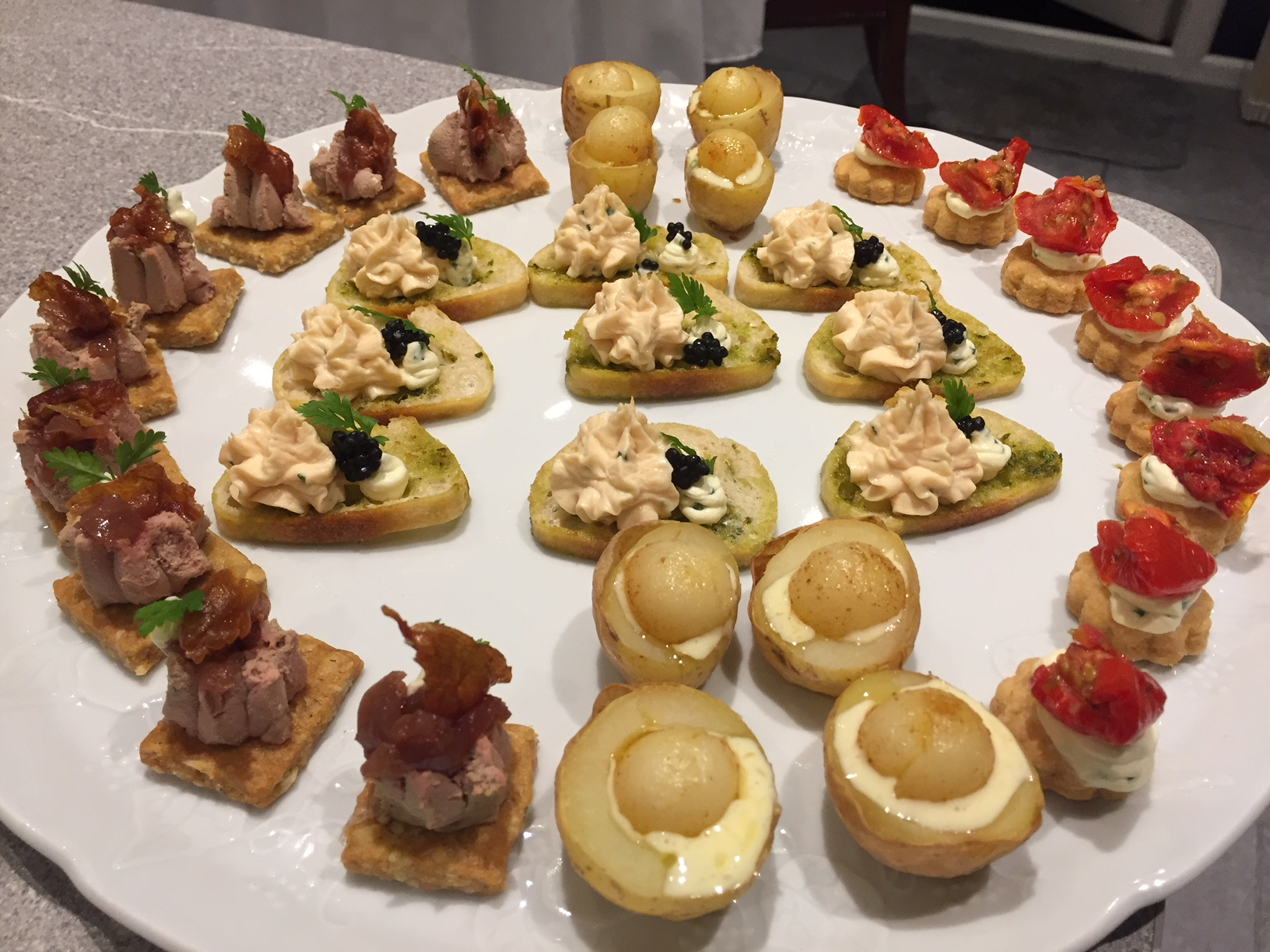 Dinner party canapes for 8 catering scotland for events for Canape examples